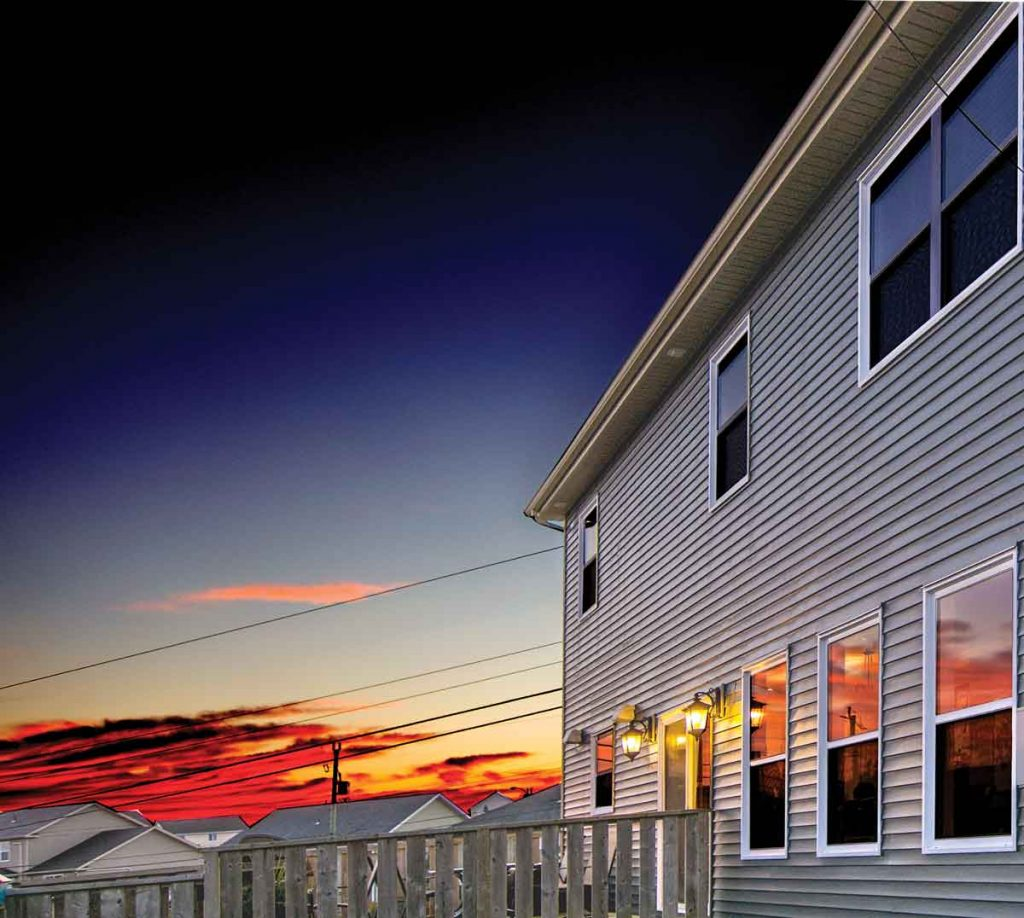 Single hung windows are the traditional window for many homeowners in Newfoundland and Labrador.